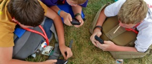 Scouts-using-cellphones-at-jamboree (1)